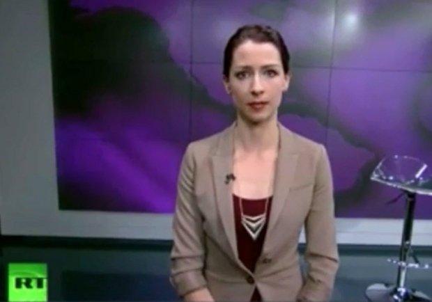 """Ostre s�owa prezenterki na antenie Russia Today. Na �ywo: """"Nie b�d� tu siedzie� i usprawiedliwia� agresji militarnej!"""" [WIDEO]"""