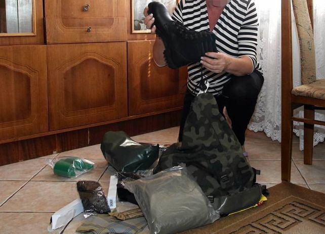 Larysa wysyła Saszy rzeczy potrzebne na wojnę