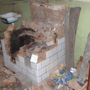 Toaleta w piecu, brud. Tak s� zdewastowane mieszkania komunalne