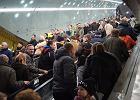 T�umne powitanie metra, a dzi� pierwszy sprawdzian w podr�nym szczycie