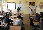 Szkoła, że głowa mała. MEN otrzymał kilkaset stron uwag do nowych podstaw programowych