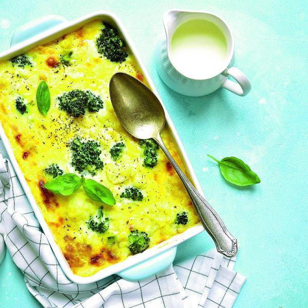 Zapiekanka z brokułów i kalafiora ma delikatny smak