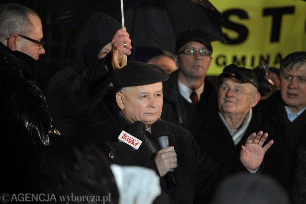 Jarosław Kaczyński podczas przemówienia wygłoszonego w czasie piątkowego marszu PiS
