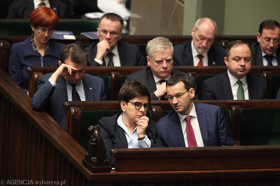 z22060735V,Premier rzadu PiS Beata Szydlo i wicepremier Mateu