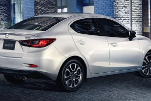 "Nowa Mazda 2 sedan | Ma�a ""tr�jka"""