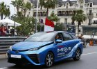 Ksi��� Albert rozpocz�� wy�cig F1 w Monako za kierownic�... Toyoty Mirai