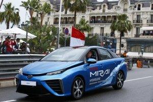 Książę Albert rozpoczął wyścig F1 w Monako za kierownicą... Toyoty Mirai
