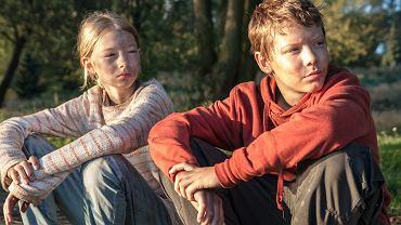 Kadr z filmu 'Tarapaty'