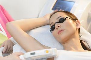 Depilacja pach - woskiem, depilatorem czy laserem?