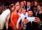 Samsung na scenie, a Apple w kuluarach - kulisy najpopularniejszego selfie �wiata