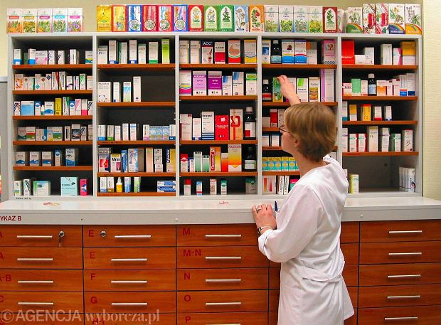 Od 1 listopada nowa lista lek�w refundowanych: 10 produkt�w mniej, s� zmiany w cenach