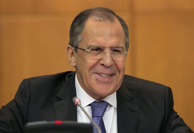 Ławrow: Ukraina, żeby uniknąć dalszego podziału, musi być neutralna