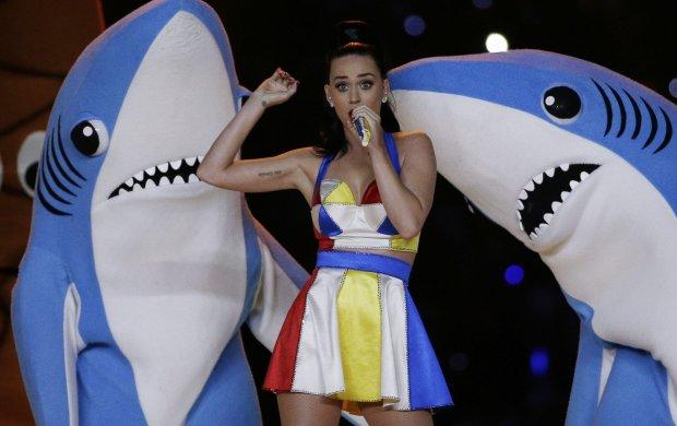 Katy Perry uświetniła muzycznie przerwę meczu Super Bowl.