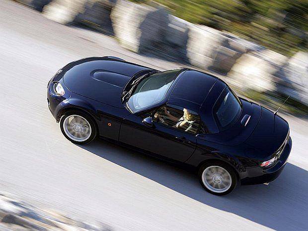 Oferowane są tylko dwie wersje silnikowe: 1,8 i 2,0 litra