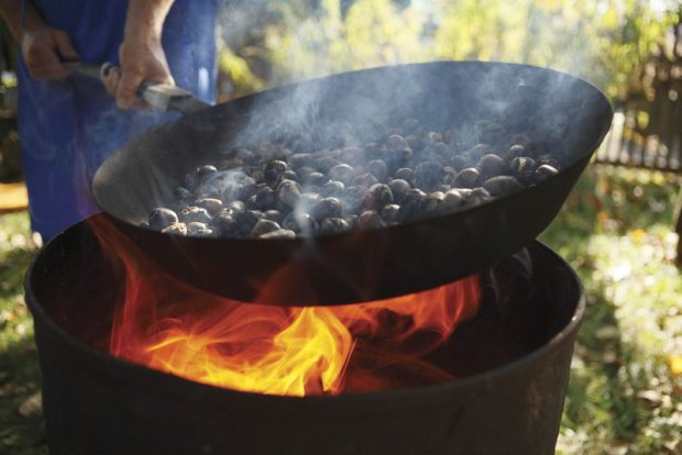Speck, strudel, pieczone kasztany, a mo�e tiramisu? Kulinarne festiwale w po�udniowym Tyrolu, czyli w�osko-austriackie dolce vita