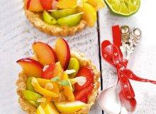 Sałatka owocowa w kruchych miseczkach - ugotuj