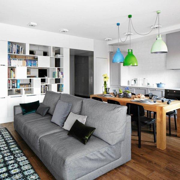 Ciemne mieszkanie zmieni�o si� w jasne i bardzo wygodne. Skandynawski styl sprawdza si� zawsze i wsz�dzie