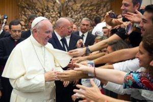 """Papie� Franciszek: """"Niech ka�da parafia przyjmie jedn� rodzin� uchod�c�w"""". W samej Polsce jest ich 10 tys."""