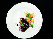 Policzek wo�owy z marynowanymi warzywami i kasz� gryczan� - ugotuj
