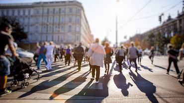 Według najnowszych danych średnia długość życia Polaków wydłuży się w ciągu najbliższych 20 lat o około pięć lat