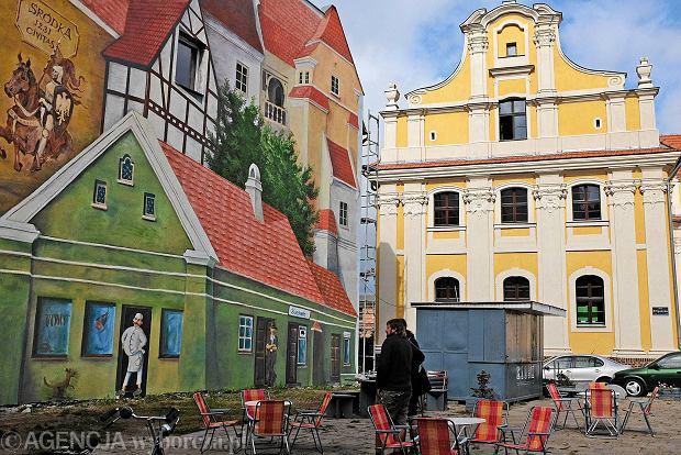 tr bacz na dachu czyli nowy mural na r dce