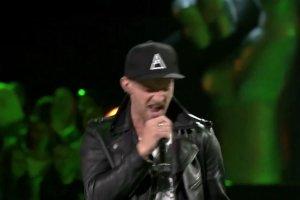 """Voice of Poland"". Maciej Grenda i Patryk Glinka w ""Hold me, thrill me, kiss me, kill me"" U2"