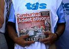 """Turecki sąd zatrzymał pięciu dziennikarzy """"Cumhurriyet"""" w areszcie"""