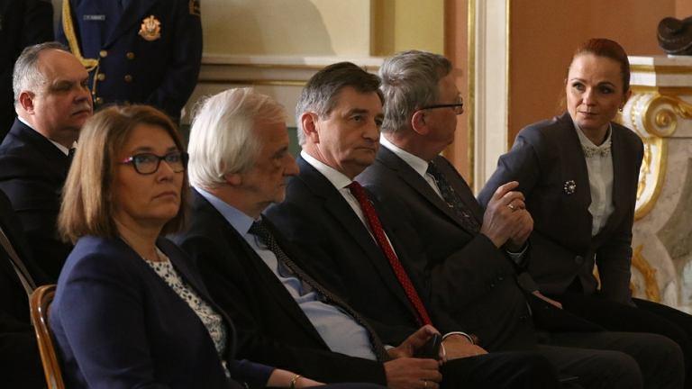 Beata Mazurek, wicemarszałek Sejmu Ryszard Terlecki oraz marszalek Sejmu Marek Kuchciński podczas konferencji zorganizowanej przez Sejm RP na temat polskiego parlamentaryzmu