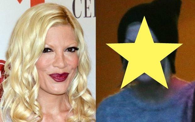 """Na nic zda si� czapka nasuni�ta na g�ow�. Tak Tori Spelling wygl�da bez makija�u. A pozosta�e aktorki z """"BH 90210""""?"""