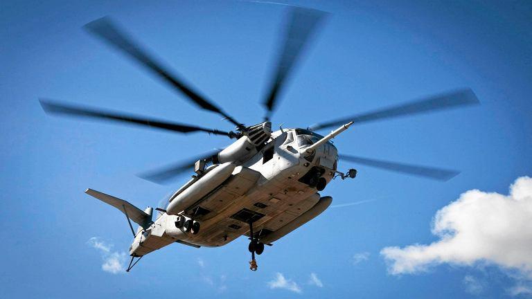 Śmigłowiec typu CH-53E na Hawajach