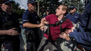 Policja zatrzymała protestujących przeciwko zmianom w Sądzie Najwyższym