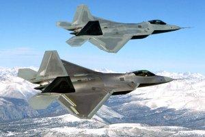 F-22 Raptor po raz pierwszy w misji bojowej. Nowoczesne myśliwce biorą udział w nalotach na dżihadystów