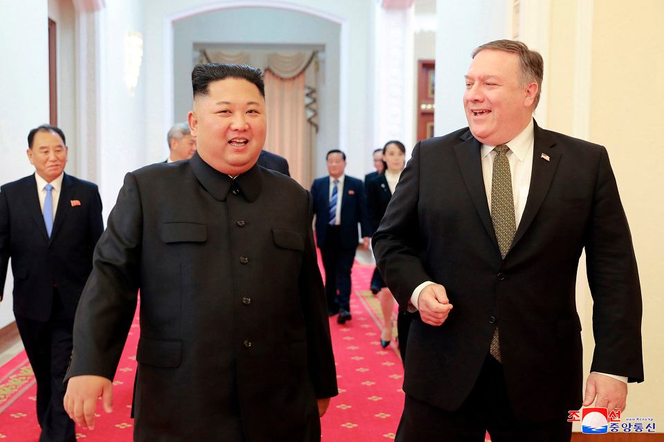 Kim Dżong Un i Mike Pompeo tuż przed rozmowami w Pjongjangu, 7 października 2018 r.