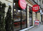 Sushi to Go - zamiast �wi�tyni lansu dziupla, w kt�rej gablotach czekaj� porcje na wynos