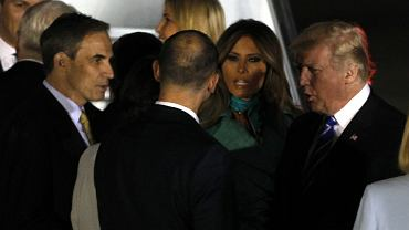 Ambasador USA Paul Jones wita Donalda Trumpa w Warszawie