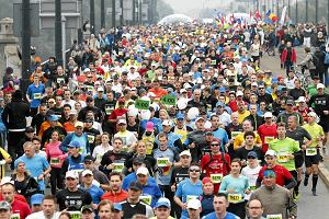 Maraton Warszawski, marsz KOD, demonstracja służby zdrowia. Jak się poruszać po stolicy? [MAPA]
