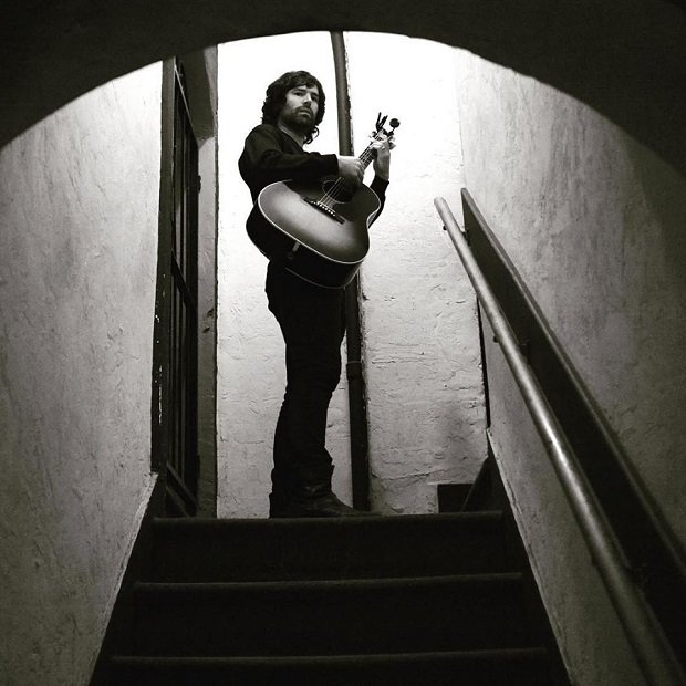 Pete Yorn opublikował nową piosenkę.