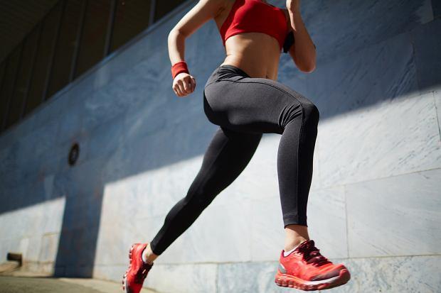 Bieganie doskonale wzmacnia mięśnie pośladków.