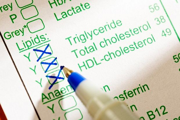 Trójglicerydy - czym grozi ich podwyższony poziom? Przyczyny nadmiaru i badanie trójglicerydów