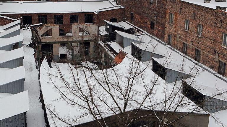 Zwalona hala fabryki H. Zielezińskiego przy ul. Konopackiej 17