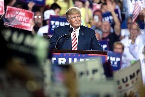 Przemytnicy ludzi reagują na działania Trumpa. Podnoszą ceny z 3,5 do 8 tys. dol. za osobę