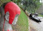 """""""�mier� komuch�"""". Atak czerwon� farb� na cmentarz �o�nierzy radzieckich na Cytadeli"""