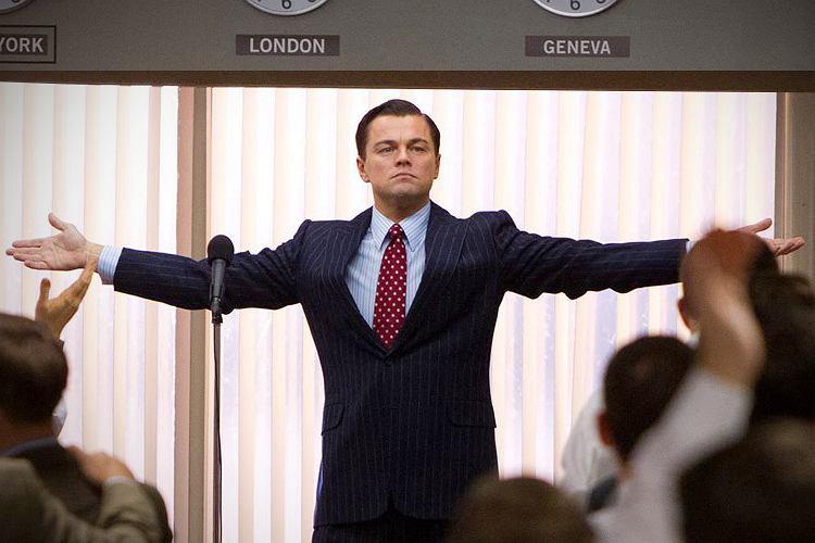 Kadr z filmu Wilk z Wall Street