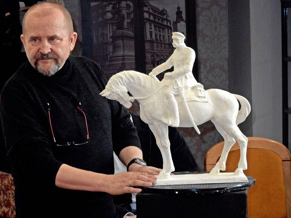 Znalezione obrazy dla zapytania nysa pomnik piłsudskiego
