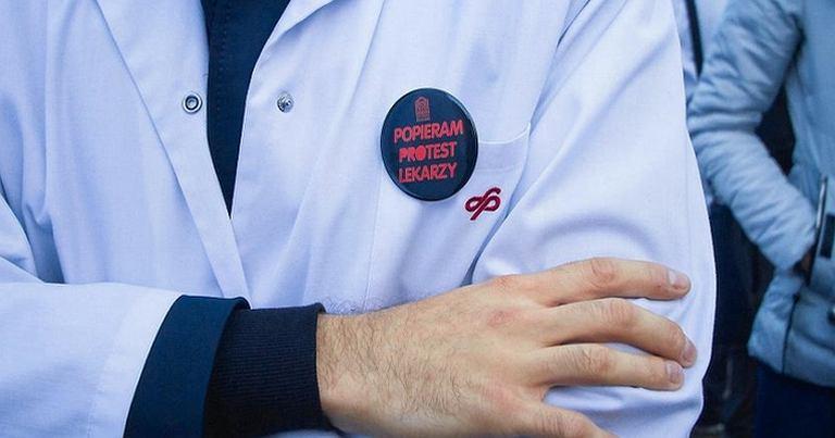 Manifestacja lekarzy rezydentów w Poznaniu