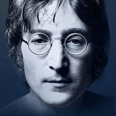 """Pewien szczęśliwy Brytyjczyk wśród kolekcji płyt trzymanych przez siebie na strychu odnalazł  list Johna Lennona skierowany do Królowej Elżbiety II. Znalazca może mówić o szczęściu nawet jeśli nie jest wielki fanem """"Czwórki z Liverpoolu"""", gdyż jego odkrycie warte jest 60 tys. Funtów!"""