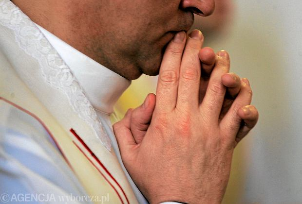 Ksiądz z Piły przyznał się do molestowania 17-latki / Zdjęcie ilustracyjne