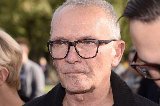 """Marek Siudym, którego znacie m.in. ze """"Złotopolskich"""" czy """"Sąsiadów"""", stracił wnuka. Aktor po raz pierwszy na łamach prasy opowiedział o rodzinnym dramacie."""