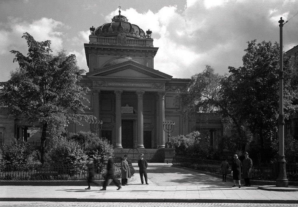 Wielka Synagoga przy placu Tłomackie.