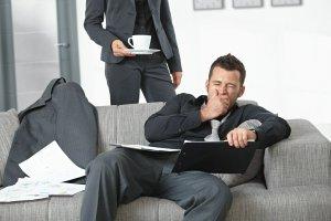 Niedosypianie, stres czy choroba? Dlaczego ci�gle jeste� zm�czony